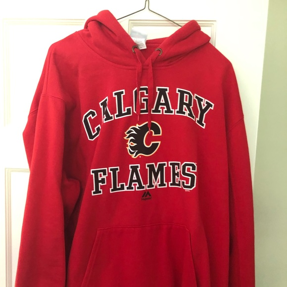 new concept 3f6cd d91ad Majestic Calgary Flames hoodie